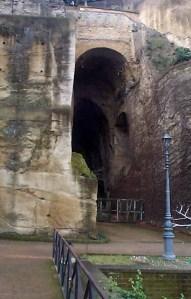 Virgil's tomb (Wikipedia)