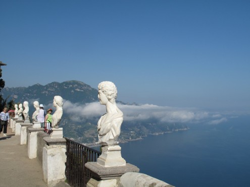 Villa Cimbrone, Ravello: the belvedere, also known as the Terrazzo dell'Infinita (Terrace of Infinity)