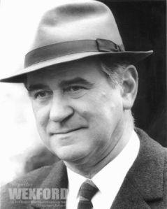 George Baker as Inspector Reginald Wexford