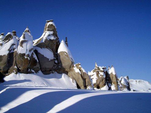 Hoodoos_on_Bylot_Island,_Nunavut