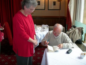 Colin Dexter signs my book - Randolph Hotel, Oxford, 2006