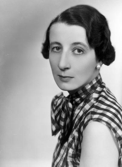 Elizabeth MacKintosh, aka Gordon Daviot, aka Josephine Tey 1896 - 1952