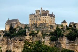 673146-castillo-de-beynac-dordona-perigord--aquitania-francia