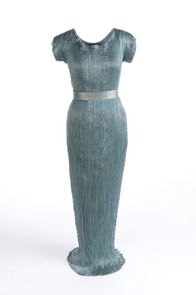 Museo_del_Traje_-_MT111882_-_Vestido